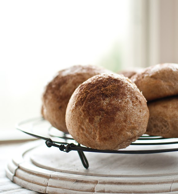 Scandi Home: Spelt pulla - Finnish cardamom buns