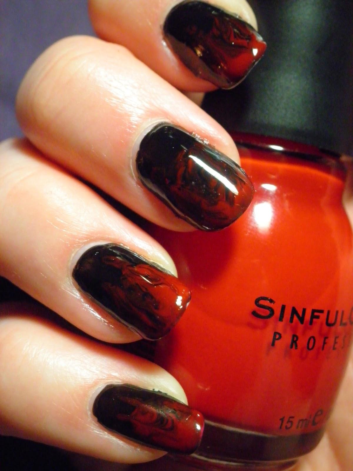 Дизайн ногтей градиент фото красный с черным