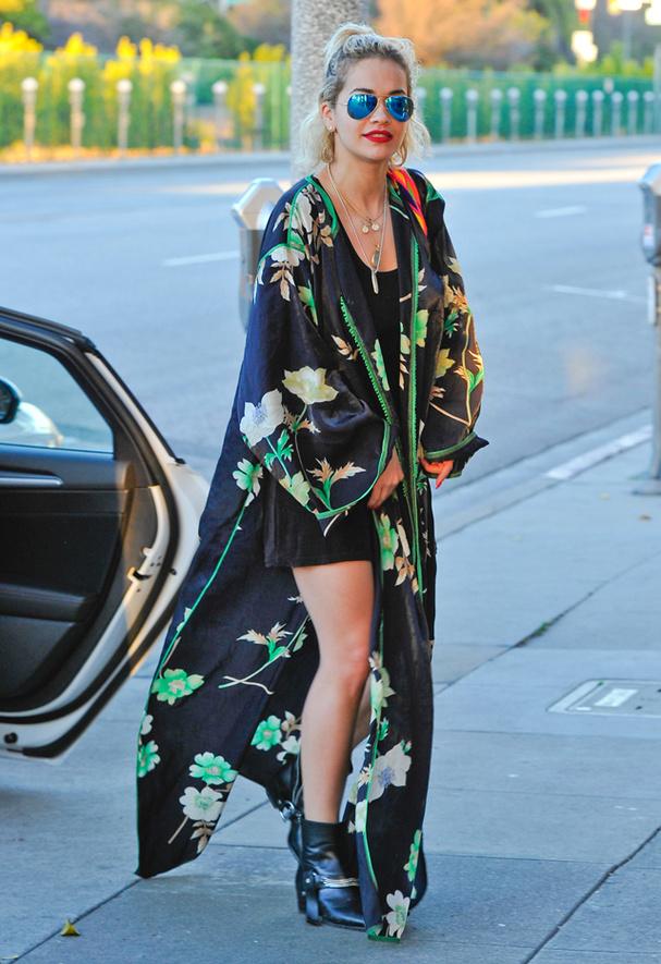 Bohemian vibes-Kimono magic | How to style kimono jackets,rita ora in kimono