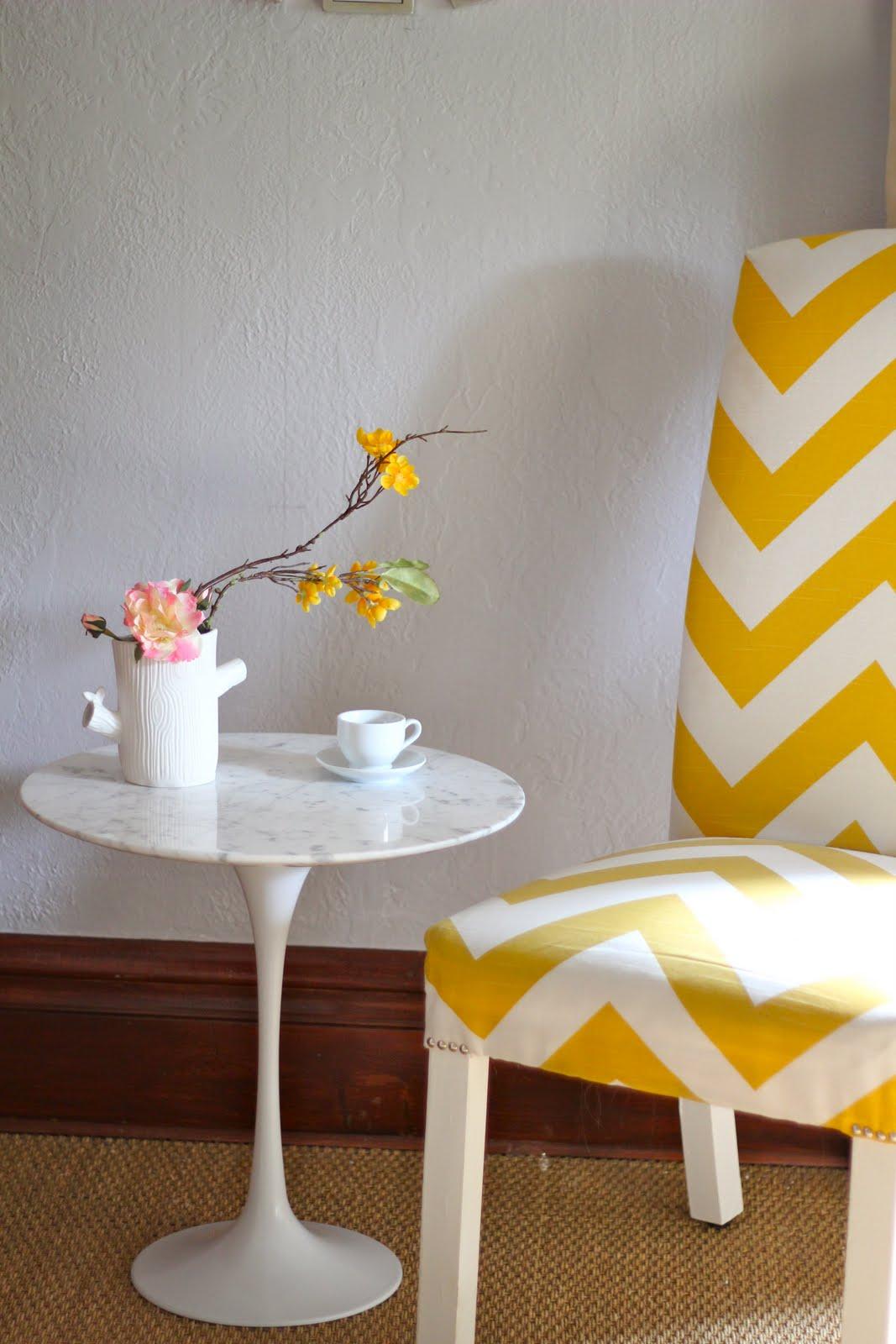 Back on festive road saarinen tulip table copy knock off - Saarinen chair knock off ...