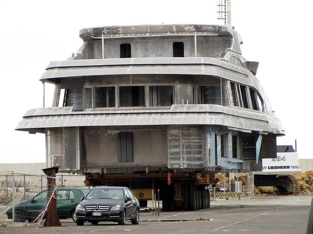 Livorno una foto al giorno casa di tre piani for Trova i miei piani di casa