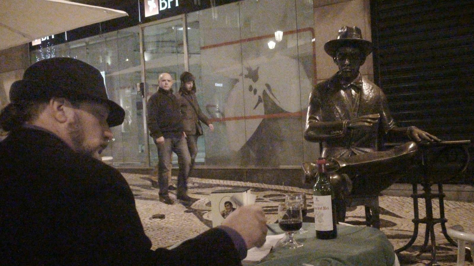 Mario Fattorello frente a Pessoa