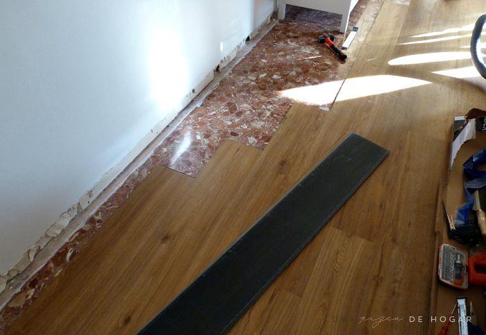 Colocar suelo de madera latest colocar tarima flotante en - Como instalar suelo laminado ...