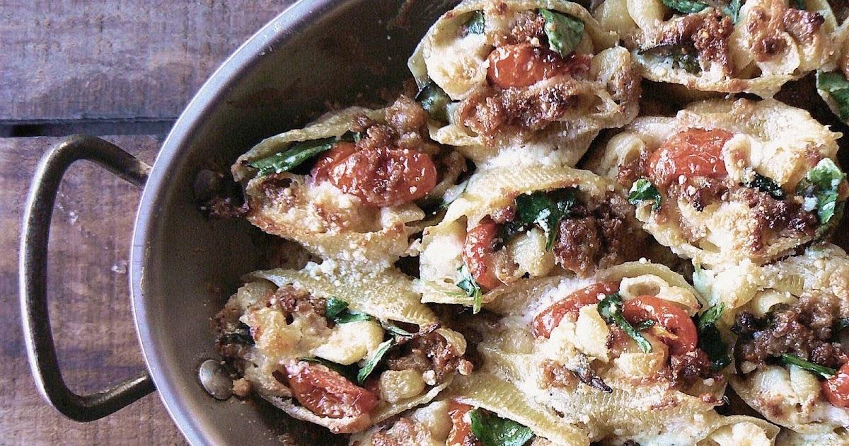 Mamma Bianco's Sausage Gorgonzola Stuffed Shells