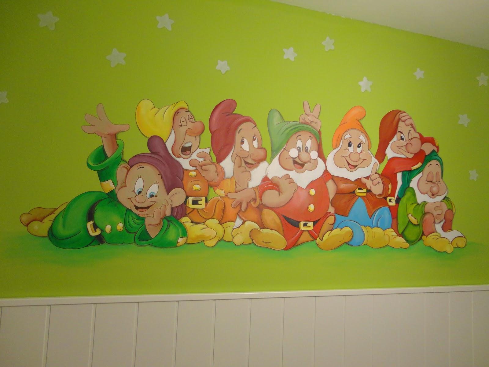 Decopared mural disney enanitos en dormitorio infantil - Mural pared infantil ...