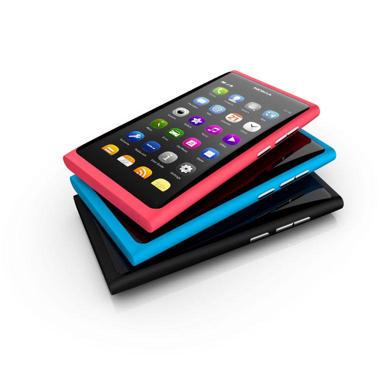 Nokia N9 Nokia Lumia 800, Windows Phone Pertama dari Nokia