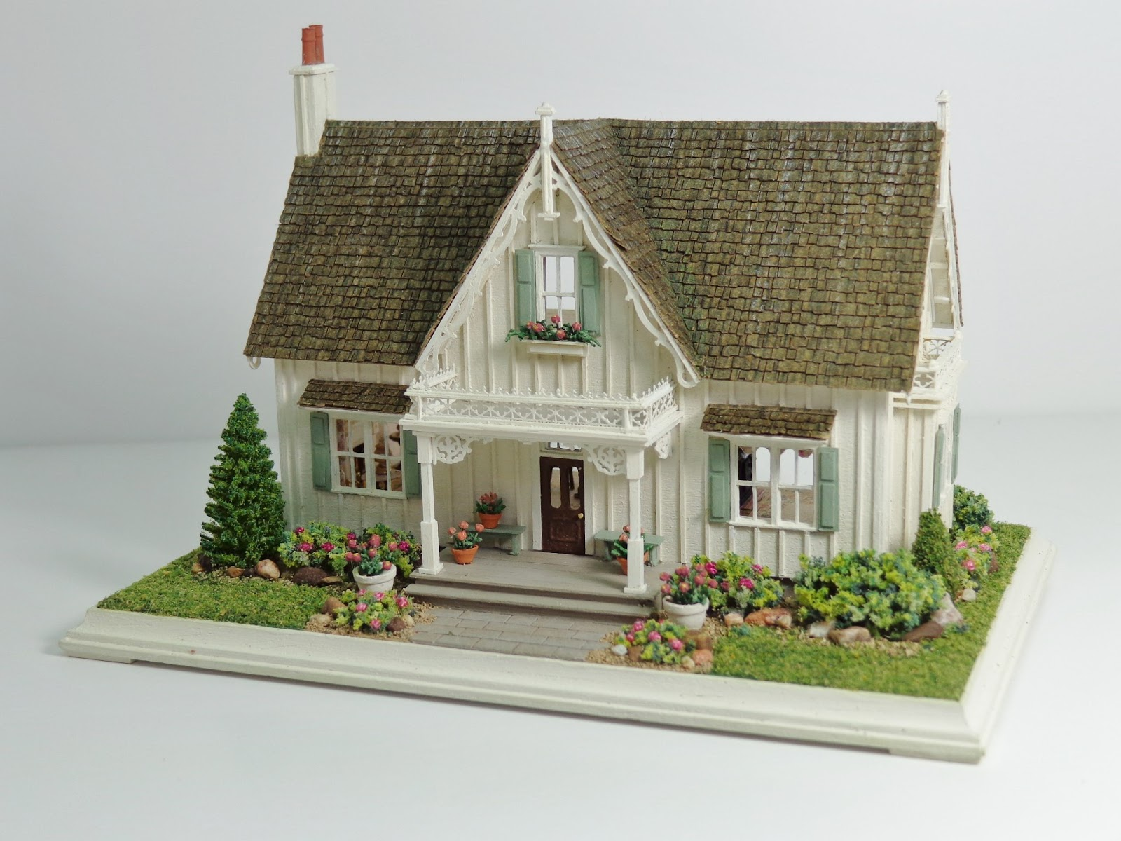 Miniature miniatures nell corkin carpenter gothic for Mini bungalow