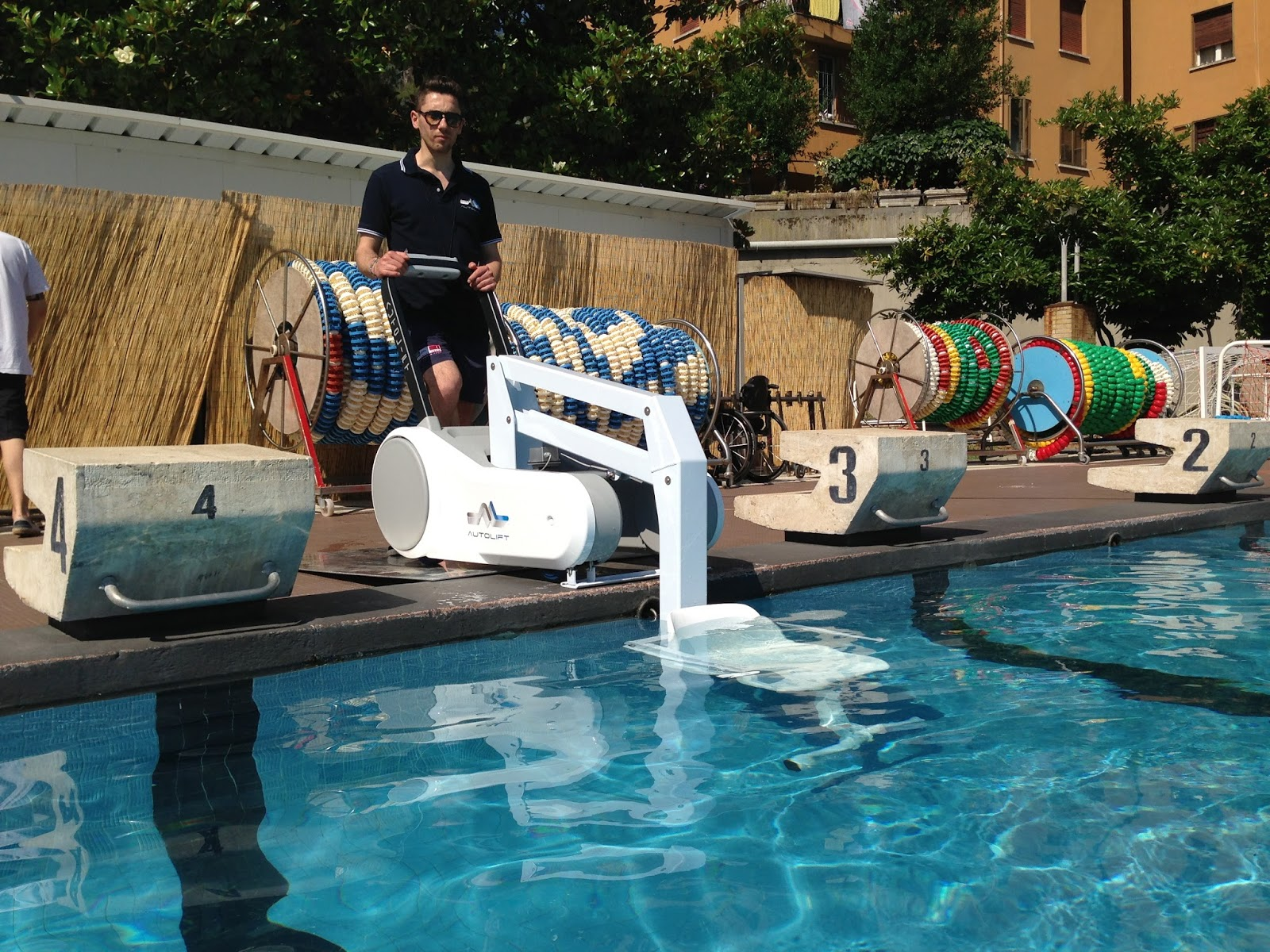 Mobility products for disabled people pool access lift for Portable pool