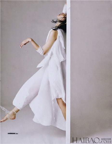 Chloé 2014 SS White Chiffon Dress With Double Ribbons Editorial