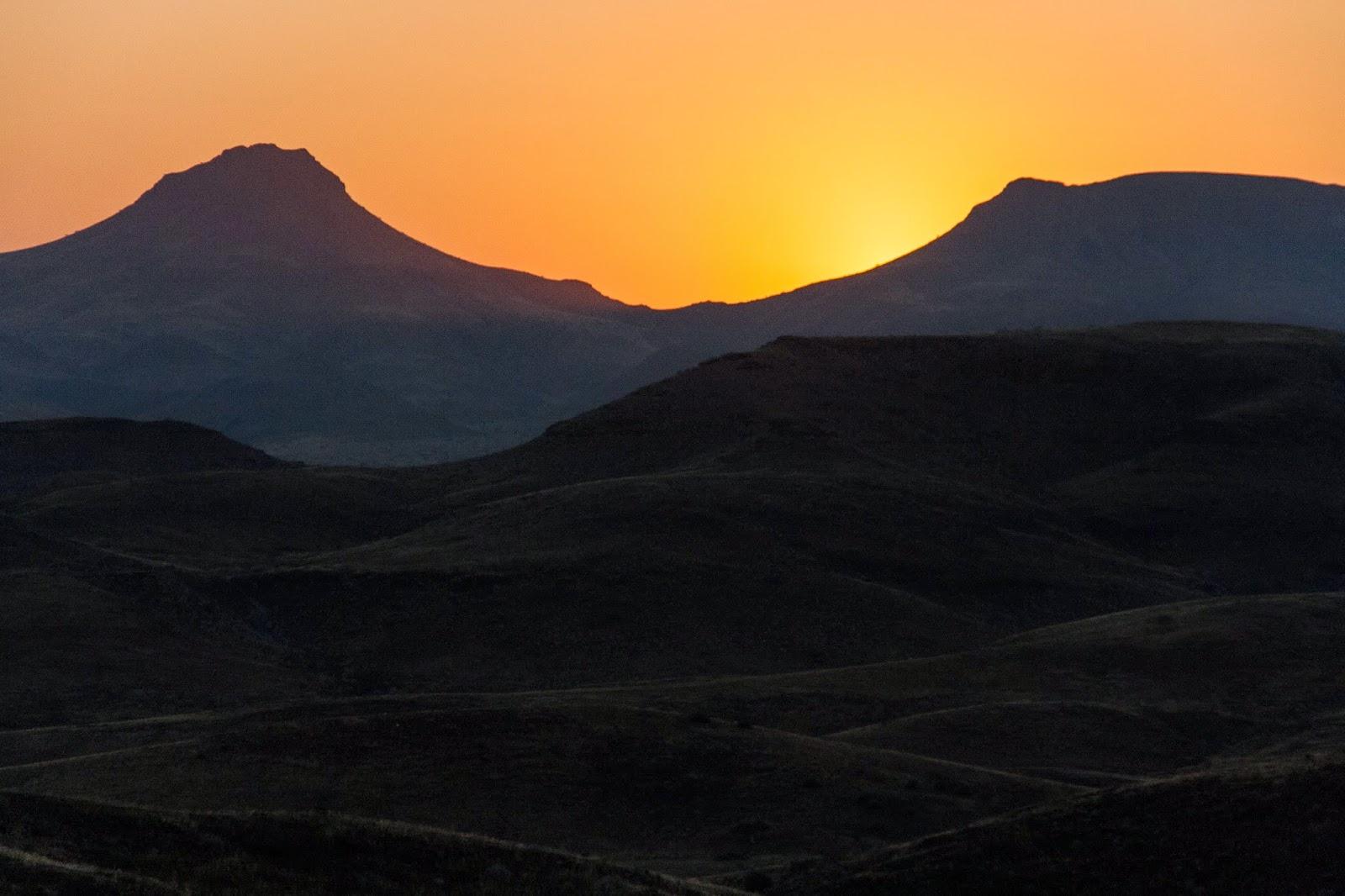 sunset damaraland namibia safari