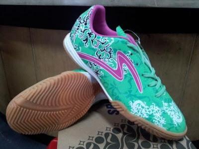 Pakis in 400240 299.800 Sepatu Futsal Specs Batik Accelerator Terbaru Tahun 2013