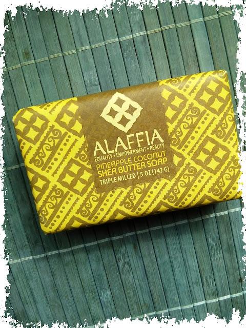 Alaffia, Mydło w kostce Pineapple Coconut Shea Butter Soap (Ananas i kokos)