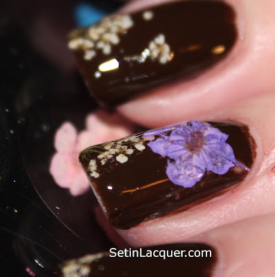 MASH Nails dried flower nail art