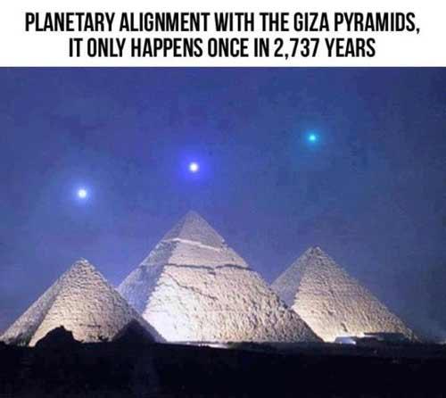 [Bild: planets_pyramids.jpg]