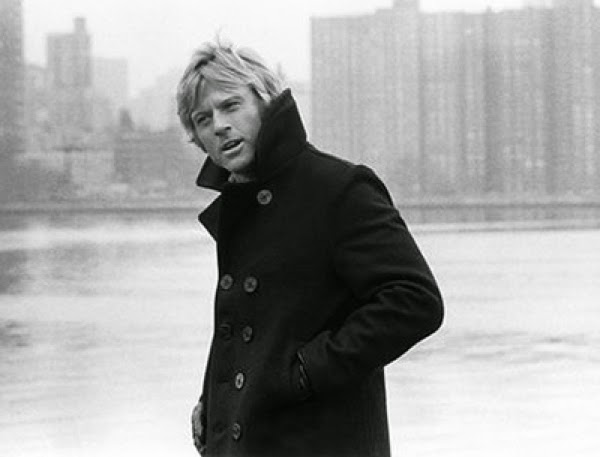 ROBERT REDFORD CON NAVY PEACOAT