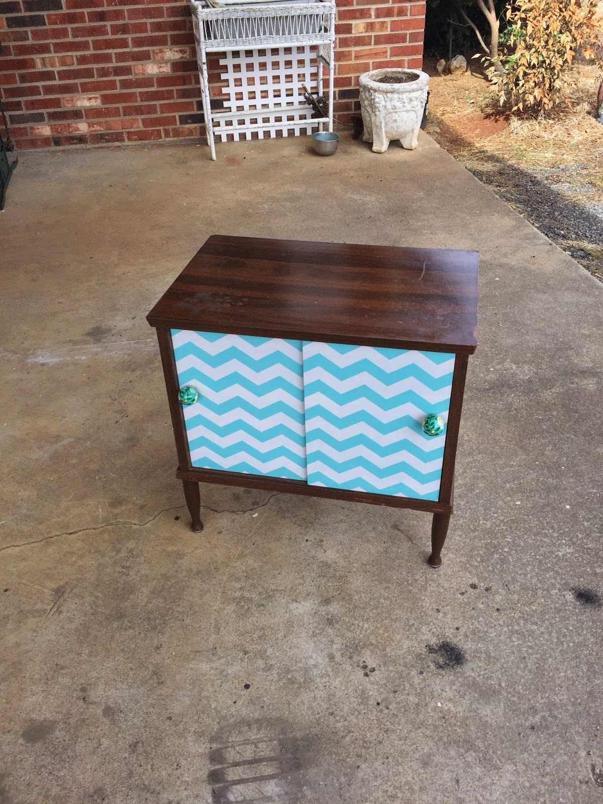Sheshe The Home Magician Goodwill Laminate Tv Stand