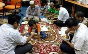 Buka Puasa Pesantren Bisnis Online Ramadhan