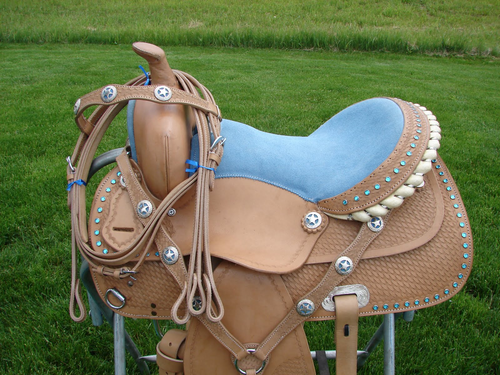 saddle and horse Eq is the first step in science-based saddlery, with technology based on horse  and rider biomechanics and endorsed by vets and riders alike.