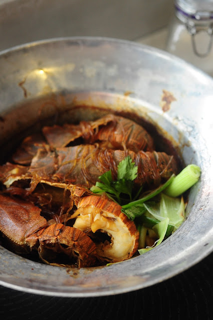 crayfish thai garlic pepper sauce claypot singapore