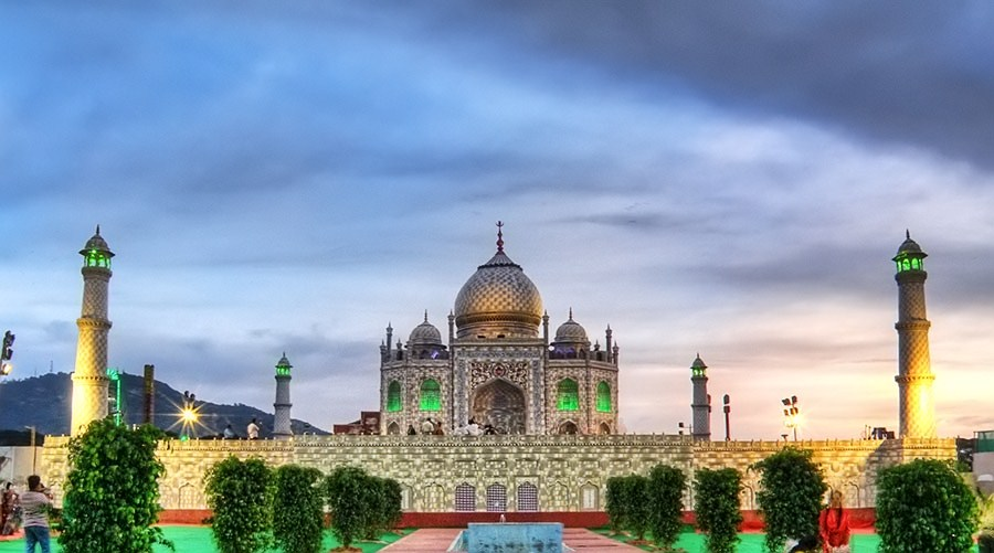 HDR image of Taj Mahal
