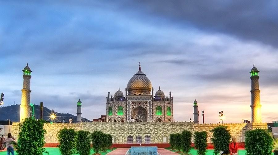 HDR image of Taj Mahal