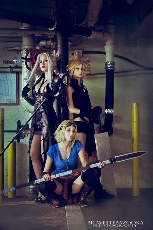 trio de cosplay feminin dans un parking