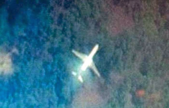 aereo scomparso in malesia