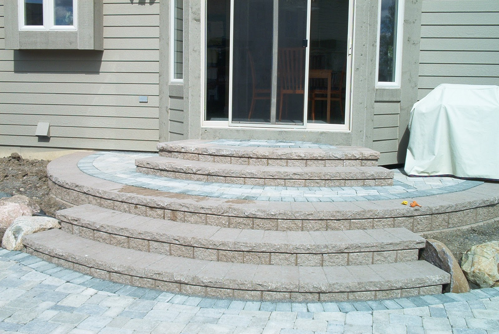 How to build steps with pavers - Steps Leading To Brick Paver Patio Are Very Important