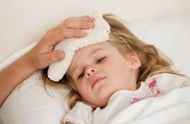 Cách chăm sóc trẻ khi bị sốt