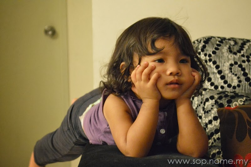 Gaya Auni menonton TV versi terkini