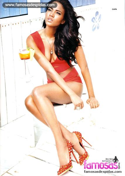 Miss Universo Leila Lopes na Maxim