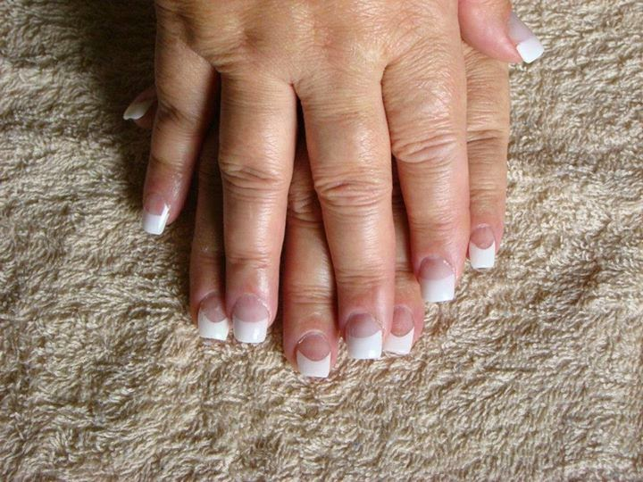 Classic-pink-and-white-french-white-tip-square-shape-nails-core-pink-powder-UV-Soak-Off-gel-topcoat-polish