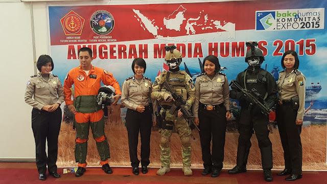 Stand Pameran Puspen TNI Gelar Foto Gratis Bagi Pengunjung