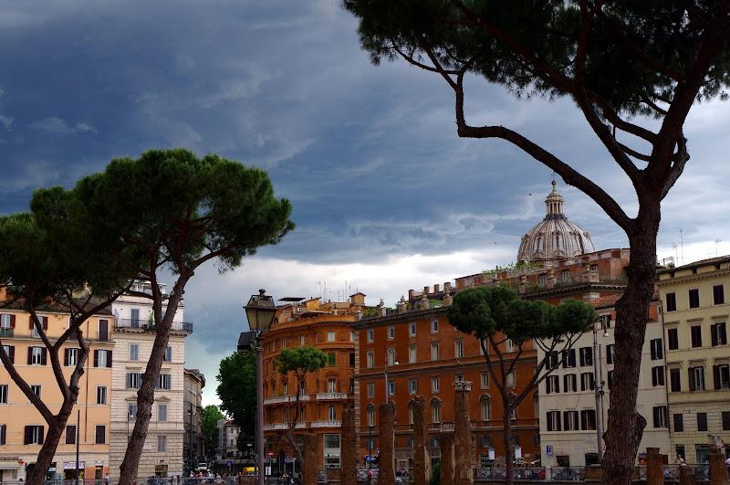 Area Sacra und Largo di Torre Argentina im historischen Zentrum von Rom