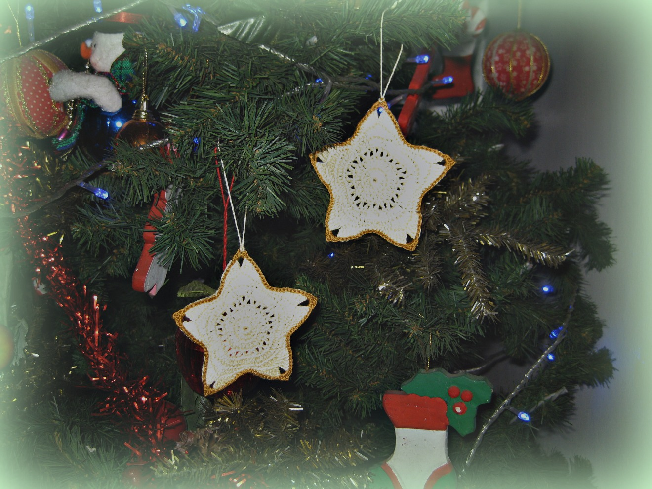 Free Crochet Patterns Christmas Star : Crochet and Other Stuff: Christmas Star Ornament - free ...