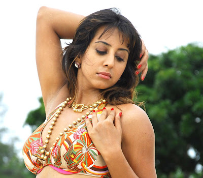 Sanjana sizzling at beach