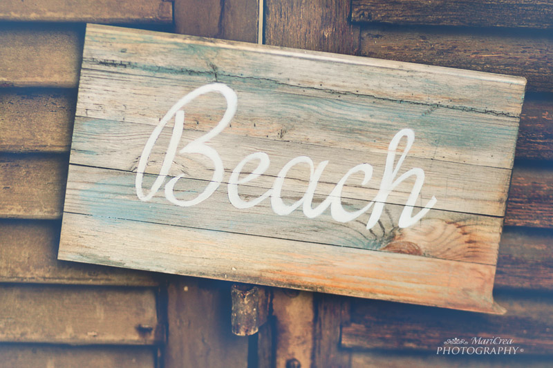 DIY beach signs