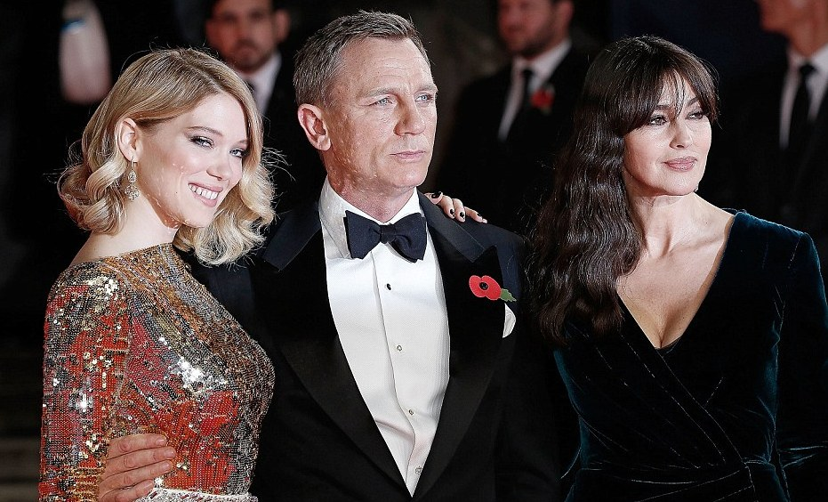Daniel Craig,Lea Seydoux & Monica Bellucci at the Spectre premiere Red carpet