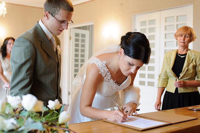 santuoka molėtų santuokų rūmuose