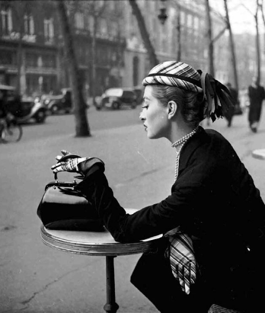 Café de la Paix, 1952 #vintage #1950s #fashion #plaid #gloves #hat #french