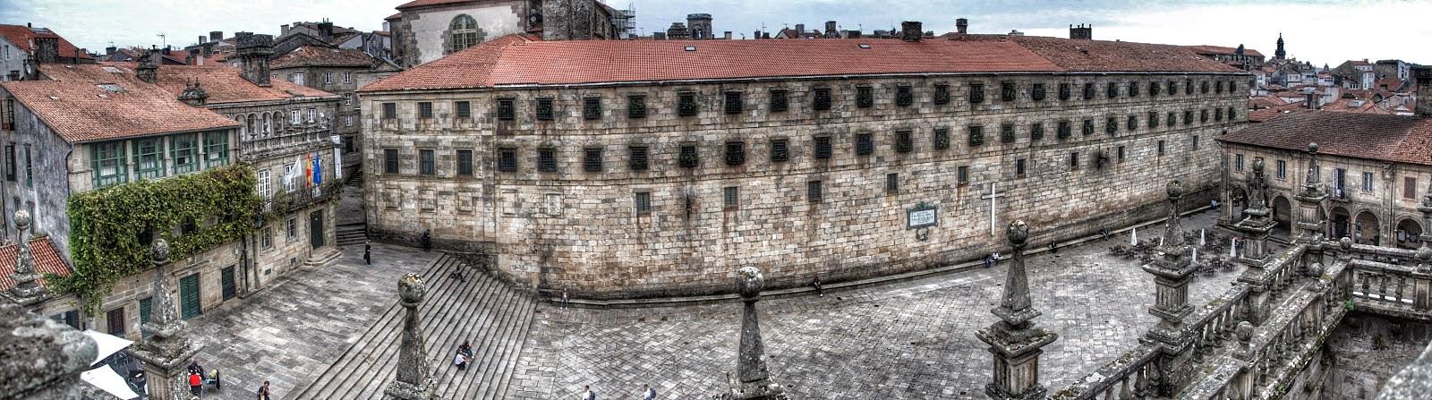 Panorámica de Plaza de la Quintana  desde los tejados de la Catedral de Santiago