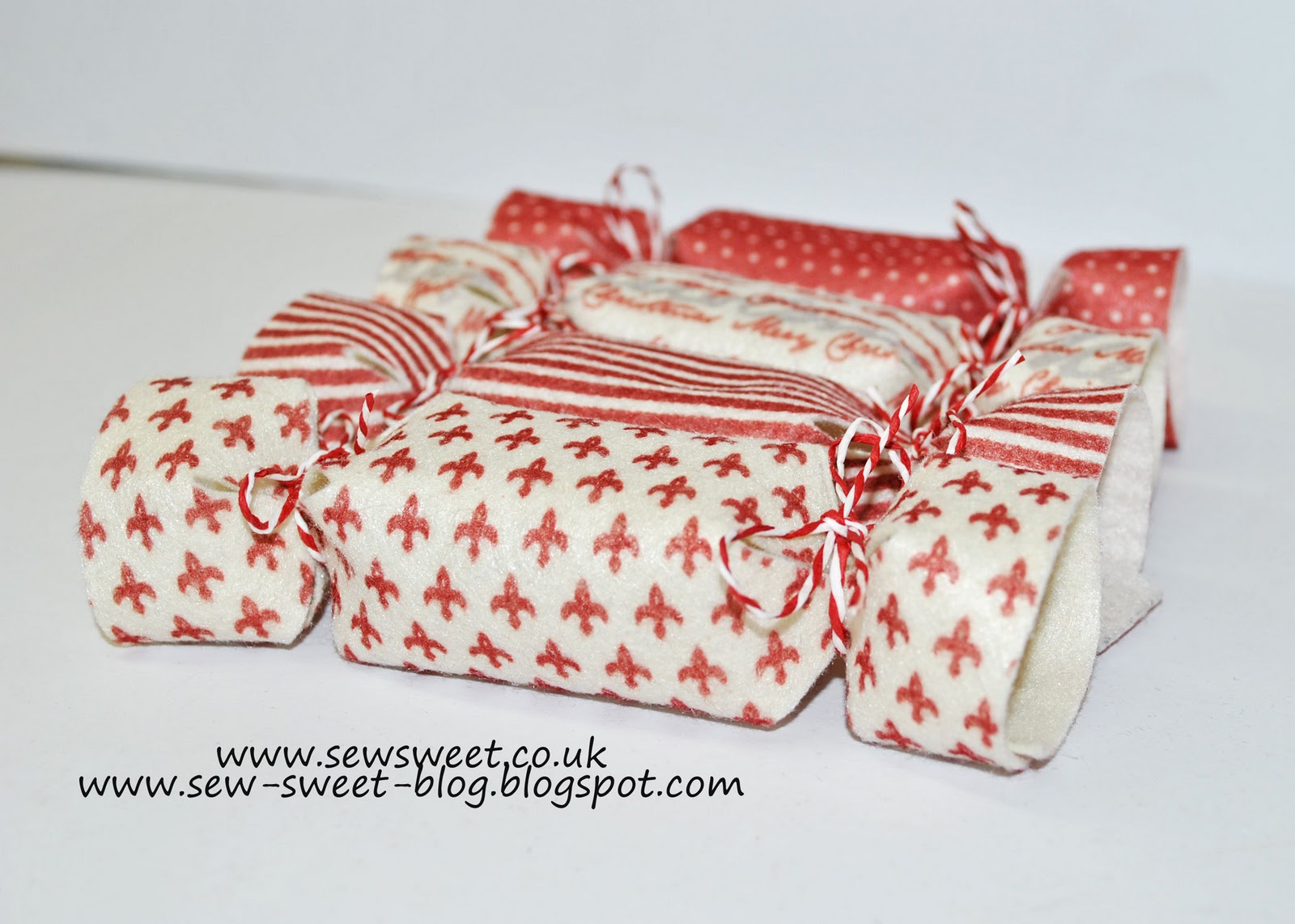 Sew Sweet: Felt Christmas Crackers Tutorial