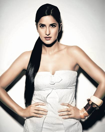 Hot sexy recent bikini wallpapers photos picture gallery of Katrina Kaif