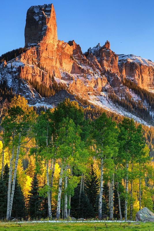 Chimney Rock and Courthouse Mountain, Colorado USA