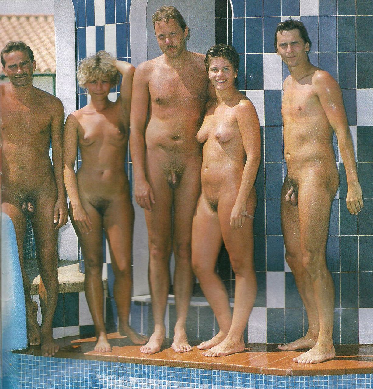Naked fat women showing there pussy