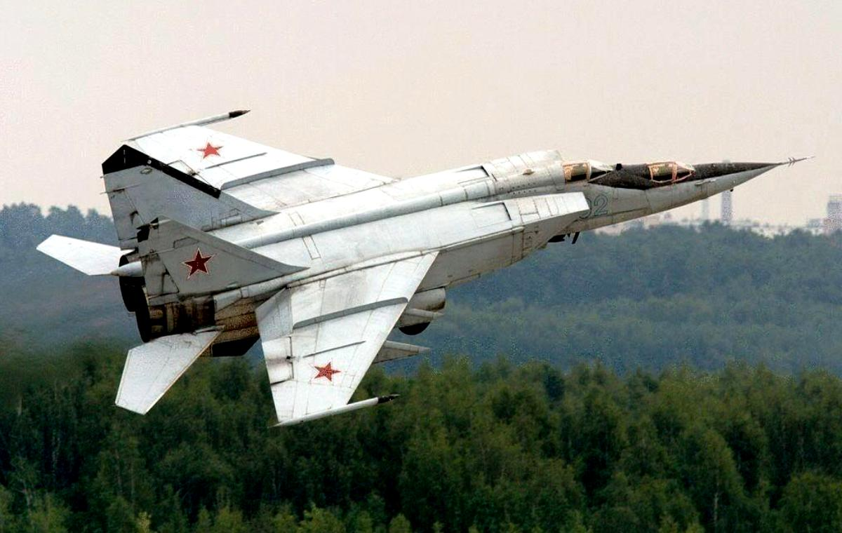 MiG-25 Foxbat Jet Fighter Wallpaper 1