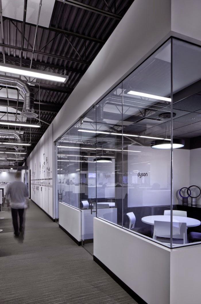 inside dyson 39 s customer support center. Black Bedroom Furniture Sets. Home Design Ideas