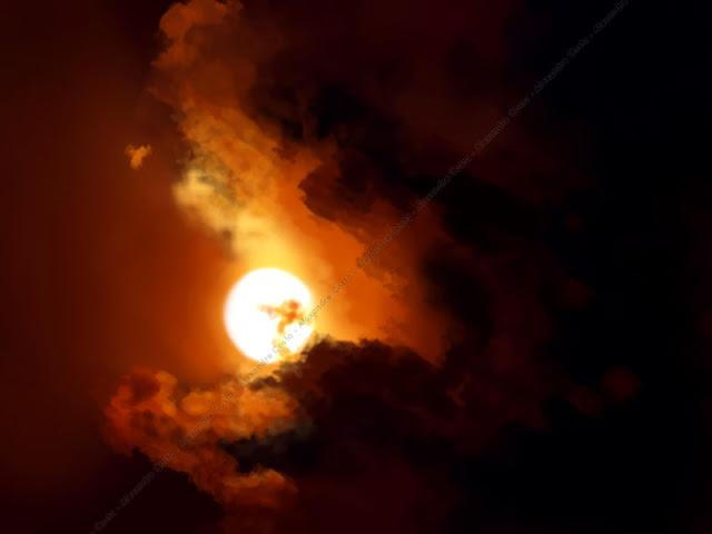 Pintura digital com sol e nuvens