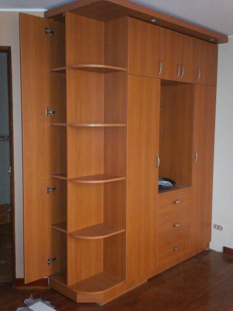Mueble de madera para ropa sucia for Diseno muebles melamina