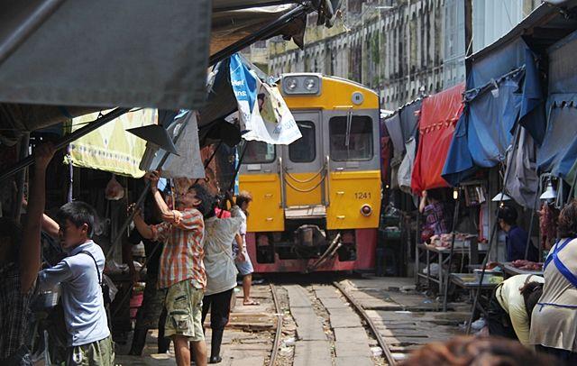 Maeklong-Market-Thailand